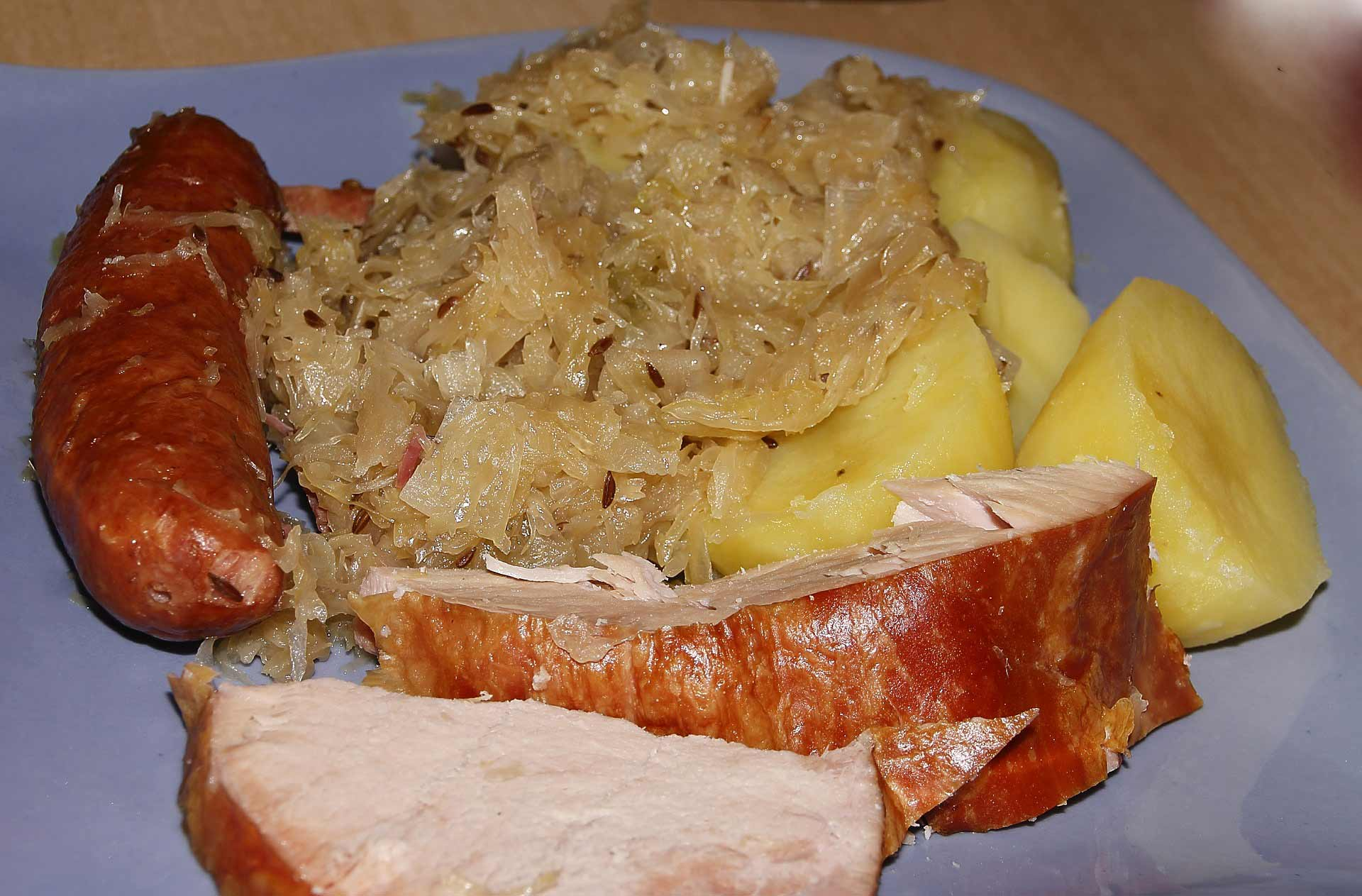 sauerkraut dish - kiseli kupus - podvarak