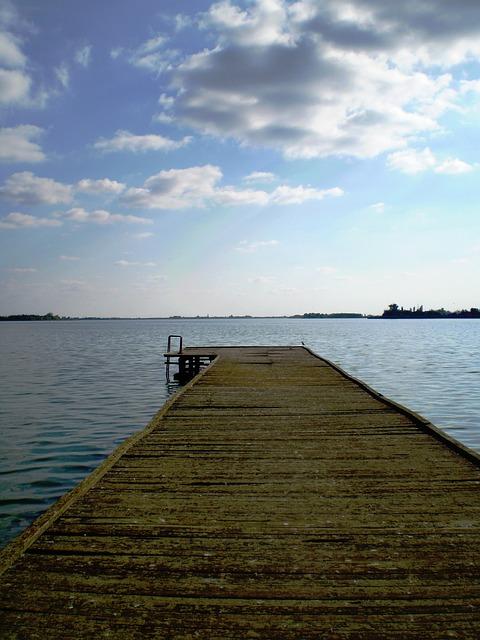 palic-lake-2048305_640